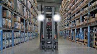 LED Arbeitsscheinwerfer angebracht an einem Linde Stapler