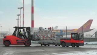 Flurförderzeuge von Linde im Einsatz am Flughafen