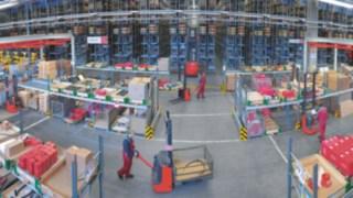 Materialfluss in einem Lager mit Ausstattung von Linde Material Handling