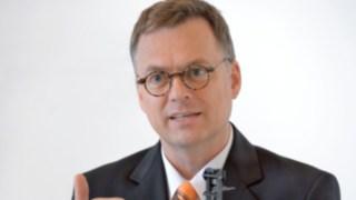 Portrait von Alexander Schmidt, Senior Produkt Manager