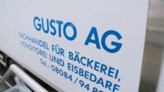 GUSTO_AG_Stapler-Kommissionierung_mit_Lithium-Ionen-Batterien