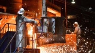 Gegengewichtproduktion von Linde Material Handling am Kupolofen
